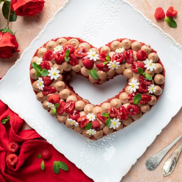 Red velvet cream tart